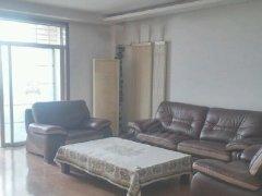 房子干净、整洁,家具家电全,拎包入住