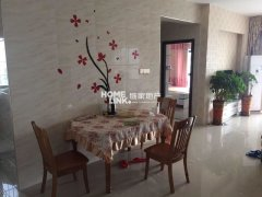 聚镇三房,高档装修家具,采光通风好,价格优惠。