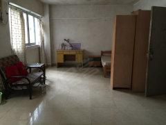 富力新村 40平米一居室出租 住家安静 随时看房