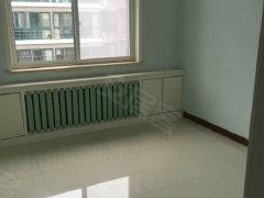 丞相府 3室2厅130平方精装空房 位置优越 1600元/月