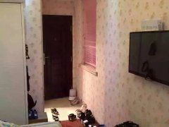 下吕浦南塘二组团 1室0厅25平米 精装修 押一付三