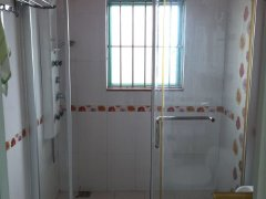 育德小区管理电梯房未出租过,三房两厅家私家电全齐!