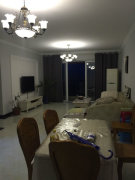 洛森堡映山套三精装出租,3个卧室带空调,客厅带空调,底价出租
