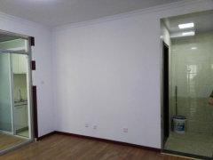 精装两室空房1100新装首租 可当婚房