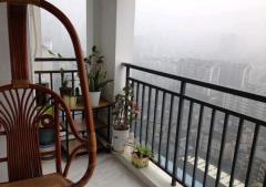 宝龙旁 万科上海新苑 白色格调精装大两房 带超大阳台 采光赞