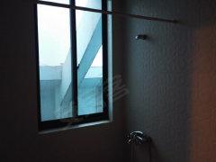江南春堤3房精装,楼层低家具家电齐全