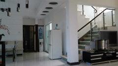 四房改大三房 家具家电齐全 舒适住宅  江南风格的园林住宅