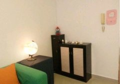 家里干净明亮,有宽带,洗衣机,空调,电视