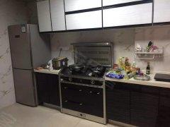 南城车站御泉山 4室2厅2卫173平米 豪华装修 押二付一