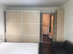 房东首次出租 宜家风格精装修 一房一大厅50平 可当两房