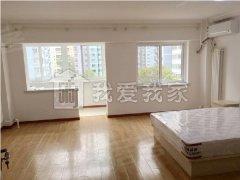 月坛南街 三里河二区 新上精装两居室