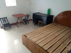 武陵老体育附近 1室1厅60平米 精装修 700元/月
