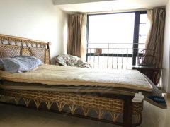 香榭左岸生活交通学期便捷2房1厅年租3500每月家电家具全新