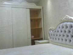 九里风景的房子 精装修 全新的家具家电 房子漂亮 价格合适