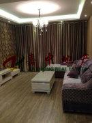 室内环境优美,四周通气,宽敞明亮家具家电齐全,拎包就可以入住